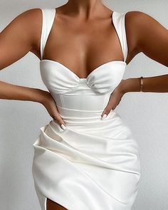 Glamouröse Outfits, Classy Outfits, Casual Outfits, Satin Midi Dress, Satin Dresses, White Corset Dress, Black Corset, Corset Dresses, Green Corset