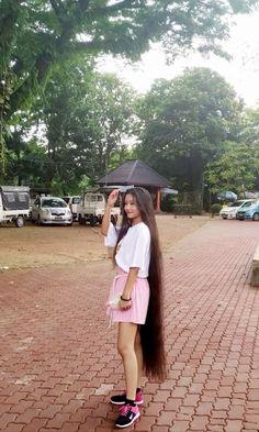 Hair 24, Long Black Hair, Super Long Hair, Loose Hairstyles, Dream Hair, Hair Lengths, Asian Woman, Braids, Long Hair Styles
