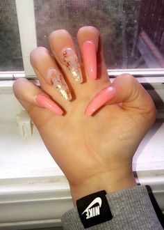Acrylics are fake nails placed over your natural ones. Aycrlic Nails, Glam Nails, Best Acrylic Nails, Acrylic Nail Designs, Acrylic Gel, Fabulous Nails, Gorgeous Nails, Fire Nails, Elegant Nails