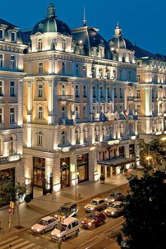 hotel architecture What We Love: one of Budapests grandest hotels, dating back to Corinthia Hotel Budapest (Budapest, Hungary) - Jetsetter Places To Travel, Places To See, Travel Destinations, Beautiful Hotels, Beautiful Places, Capital Of Hungary, Hungary Travel, Grand Hotel, Hotel Royal