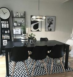 The Black Klarup Dining chair look great in this Scandinavian dining room Dining Area, Dining Chairs, Dining Room, Dining Table, Office Desk, Sweet Home, Relax, Cool Stuff, Inspiration