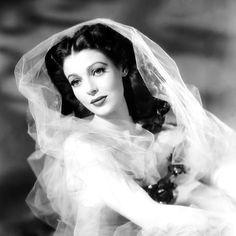sparklejamesysparkle:  Loretta Young, 1942.