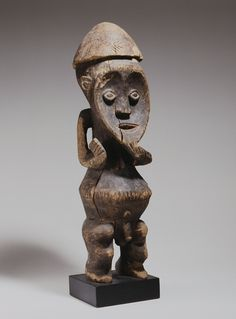 Figure Cameroon early 20th century Wood
