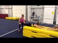body awareness drill for tight knees in an arch Gymnastics Tips, All About Gymnastics, Gymnastics Floor, Gymnastics Coaching, Gymnastics Conditioning, Strength Workout, Acro, Classroom Ideas, Flexibility