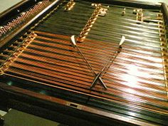 How music creates bridges across cultures:unusual instruments used in world music World Music, Hammered Dulcimer, Experimental Music, Folk Festival, Music Film, Sound Of Music, Gypsy Style, Music Stuff, Musical Instruments