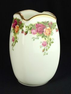 Royal Albert Old Country Roses Square Vase 1st Quality VGC