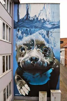 Street art.   So cute...💘😍