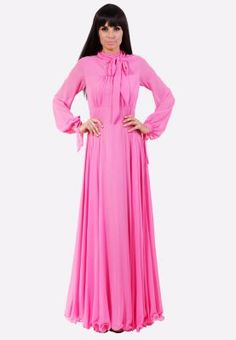 Beautiful flowy fabric, the perfect bubble pink color. So feminine! [Julea Domani  Long sleeves maxi dress]