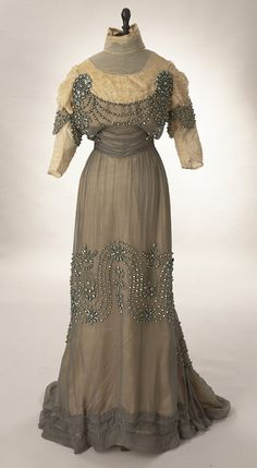 Reception dress, 1912 From Woodland Farms  VintageFripperies and Fobs