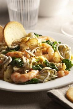 I have dinner at Spinach with prawns and pine nuts - Hard Boiled Eggs Healthy Diet Tips, Healthy Recipes, Menu Leger, Cilantro Lime Quinoa, Small Meals, Greens Recipe, Yams, Prawn, Fajitas
