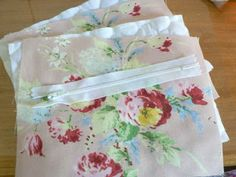 our shabby cottage: How do you make a lined zipper purse? Here's how....