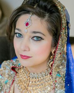 Nosheen chose keepsakes to become a bride 'again' on her wedding anniversary. And she looked stunning!! #designerjewelry #KeepsakesbyReem #craftedwithlove #bridaljewelry   Send us message or email at orders@keepsakesbyreem.com