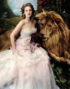 Beauty and the Beast featuring Drew Barrymore by Annie Leibovitz for Vogue April 2005 issue.