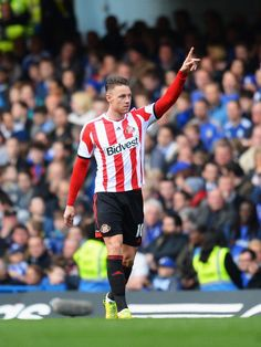 Connor Wickham of Sunderland celebrates scoring during the Barclays... ニュース写真 485607385