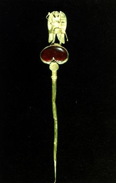 /Parthian/Metalwork/Parthian_Gold_Carnelian_Pin_RezaAbbasiMuseum.jpg