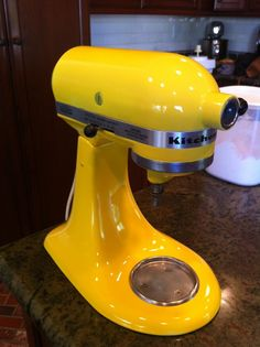 How to: Paint Your Kitchen Aid Mixer. Perfect for my year old kitchenaid given to me by my grandmother. I think I'll ask her what color I should paint it