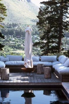 50 Amazing outdoor spaces you will never want to leave - Terrasse Outdoor Rooms, Outdoor Gardens, Outdoor Living, Outdoor Decor, Outdoor Lounge, Exterior Design, Interior And Exterior, Gazebos, Balkon Design