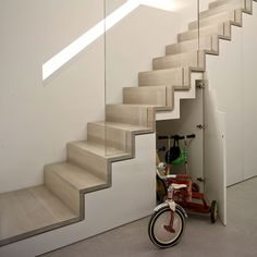 Modern Staircase Design Ideas - Modern stairs come in lots of design and styles that can be genuine eye-catcher in the different location. We have actually assembled best 10 modern versions of stairs that can provide. Staircase Storage, Staircase Railings, Wooden Staircases, Stair Storage, Stairs With Storage, Storage Area, Glass Stair Railing, Space Saving Staircase, Narrow Staircase