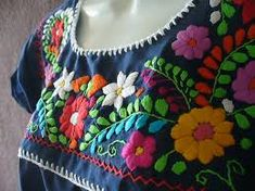 como hacer bordado mexicano - Buscar con Google Mexican Embroidery, Crewel Embroidery, Hand Embroidery Designs, Embroidery Thread, Cross Stitch Embroidery, Embroidery Patterns, Embroidered Clothes, Embroidered Blouse, Mexican Pattern