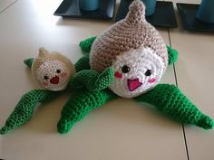 Are you a diehard Overwatch fan or know someone who is? Or do you just really like turnips and want one on your bookshelf? Now's your chance! I've written a full tutorial on how to crochet a pachimari from the Overwatch universe.