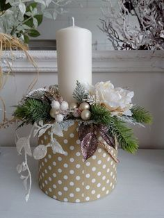 Christmas Candle Centerpieces, Christmas Lanterns, Christmas Arrangements, Christmas Room, Christmas Crafts, Christmas Ornaments, Decoration Table, Xmas Decorations, Wedding Table Deco