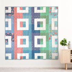 Mod Log Cabin Quilt by Holly Clarke Design | Fabric: Poppy & Posey designed by Dodi Lee Poulsen for Riley Blake Designs Sewing Machine Quilting, Quilting Thread, Modern Quilt Blocks, Modern Quilting, Log Cabin Quilts, Traditional Quilts, What To Make, Quilting Designs, Fabric Design