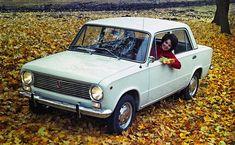 VAZ 2101, známý též jako Žiguli, je jedním z nejznámějších automobilů východního bloku, který se může pochlubit i tituly jednoho z nejvíce a nejdéle vyráběných automobilů světa. Car Pictures, Car Pics, Adolescence, Peugeot, Porsche, Russia, Cars, Europe, Italia