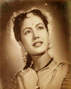 the young meena kumari Female Actresses, Indian Actresses, Actors & Actresses, India Actor, Asian Photography, Film Icon, Film World, Indian Star, Vintage India