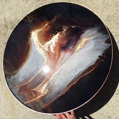 This piece is a chocolate and blush dream for ☕️ it was a completely unique experience for me creating a piece with a person in mind instead of a landscape or memory or feeling. No wonder it turned out so chic Jacqui Diy Resin Art, Epoxy Resin Art, Diy Resin Crafts, Acrylic Resin, Acrylic Pouring, Acrylic Art, Round Canvas, Art Projects, Art Photography