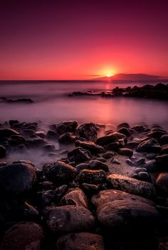 sun behind La Gomera on 500px by Christian G., Germany ☀ Canon EOS 70D-f/11-119s-10mm-iso100, 804✱1200px-rating:99.2 ◉ Photo location: Google Maps