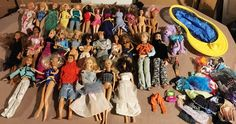 Lot Of 30 Barbie Dolls With Clothing Accessories And Pool Misc Collection Nice | eBay