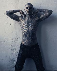 The beauty isn't in the tattoo - http://99tattoodesigns.com/beauty-isnt-tattoo/