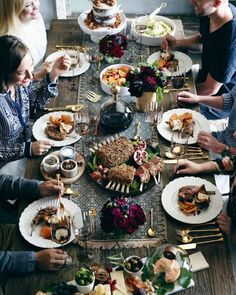 A Friendsgiving Table Display