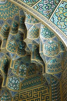 Tile work of the Masjid-e Imam mosque (Imam Mosque Isfahan) in Iran. An amazing inspiration due to the fusion of architecture and interior design. Persian Architecture, Beautiful Architecture, Beautiful Buildings, Art And Architecture, Architecture Details, Mosque Architecture, Beautiful Mosques, Moorish, Islamic Art