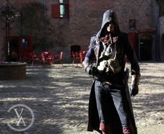 Couple Totally Nails This Assassin's Creed Unity Cosplay