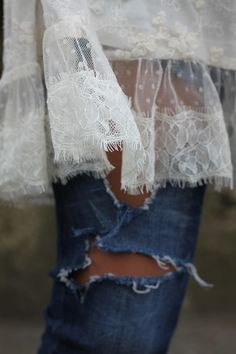 ♡  Lace denim