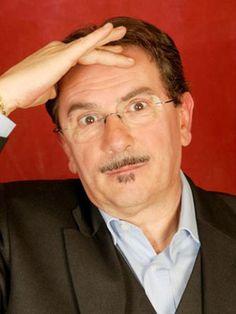 Carlo Pistarino è un comico, cabarettista e autore televisivo italiano nato a Genova nel 1950