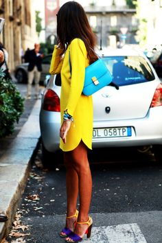 Love the fabulous bright colors in this outfit. A bold, 'look at me' statement with a yellow dress, blue bag & color-block shoes Mega Fashion, Look Fashion, Street Fashion, Street Chic, Fashion Shoes, Girl Fashion, Fashion 2015, Fashion Editor, Miami Fashion