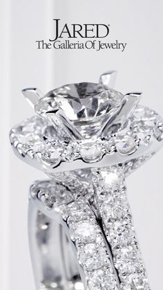 The engagement ring of your dreams is one design away. Let our expert jewelers at Jared bring your vision to life this holiday.