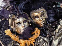 Venetian Sisters