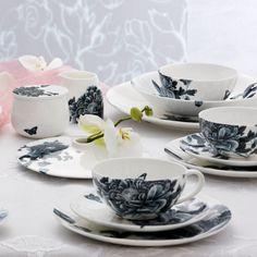 Elinno: Modern Porcelain Blooms