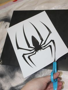 Making a Spiderman costume - The SuperHeroHype Forums Easy Diy Costumes, Hero Costumes, Costume Ideas, Black Spiderman Costume, Halloween Kids, Halloween Costumes, Little Boy Outfits, Cosplay Diy, Diy Mask