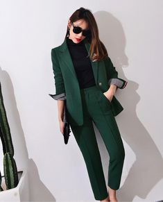 * Pantsuits for Women Awesome Amazing Pantsuits for Wome. Business Casual Outfits, Professional Outfits, Office Outfits, Business Fashion, Business Suit Women, Suit Fashion, Work Fashion, Fashion Outfits, Office Fashion Women