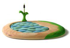 ✅ Cauti Jucarii din lemn? Descopera pe bumbutoys.ro Jucarii natura SET Lacul Puzzle si Papura . Lacul puzzle este o scena din natura care poate primi orice figurina tematica si mai poate prinde copilul plictisit in rezolvarea puzzle-ului cu valuri.... Non Toxic Paint, Nature Table, Wood Toys, Puzzle, Shapes, Children, Orice, Outdoor Decor, Mai