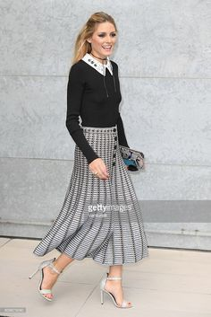Olivia Palermo arrives at the Giorgio Armani show during Milan Fashion Week Spring/Summer 2017 on September 23, 2016 in Milan, Italy.