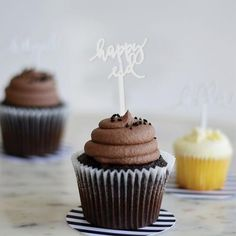 The place for modern party decorations and gift supplies for all celebrations including Ramadan and Eid. Ramadan, Eid Cupcakes, Eid Party, Happy Eid, Buzzfeed Food, Cute Cookies, Holiday Baking, Cookie Decorating, Cake Recipes