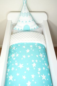 Bassinet quilt OR Bassinet and fitted sheet set - Aqua with white stars AND white minky