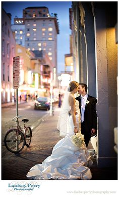 New Orleans wedding... get a street shot like this!
