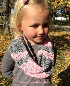 Crochet Toddler Girls Scarf - free pattern - pink and grey chevron | Momma Beans and Baby Things |