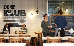 DE KLUB | De eerste echte club die gastronomisch verantwoord is: De Klub. Deze moderne bistro met patisserie en bar serveert ontbijt, (warme) lunch en diner met verantwoorde ingrediënten. Gevestigd in broedplaats Vechtclub XL eet je voor je een prikkie een maaltijd met een creatief sausje.  Vechtclub XL in Utrecht, Utrecht